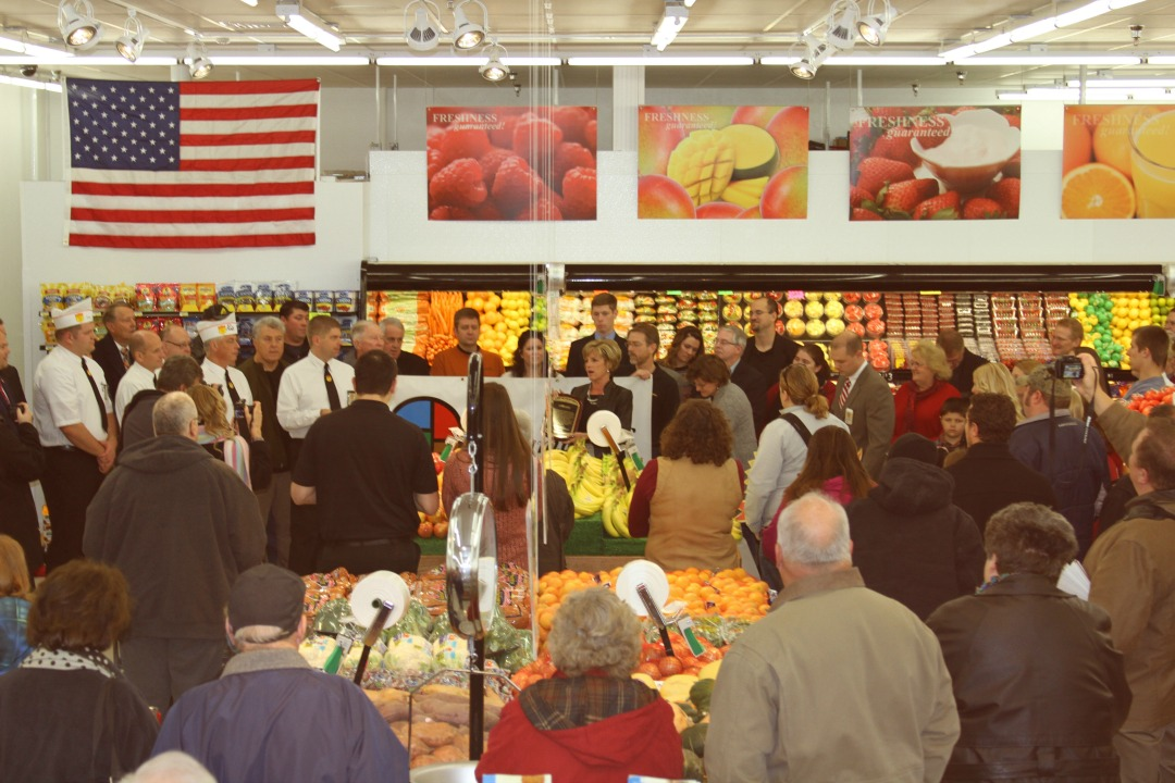 Grand Opening of the Carlisle Fareway Store