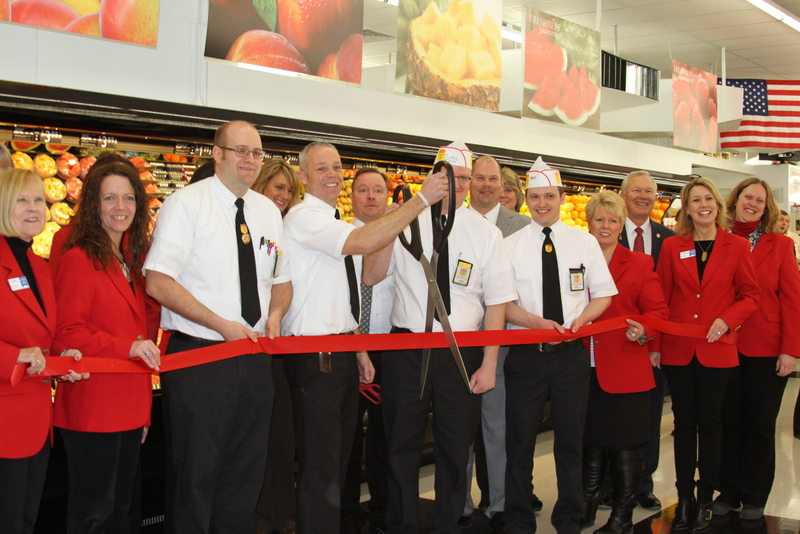 Ribbon Cutting for Fareway's new store in Cedar Rapids