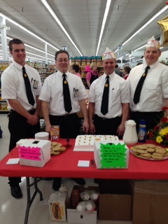 Fareway employees pose for a picture for the Re-Grand Opening