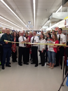 Fareway employees and customers before cutting the ribbon